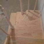 Деревянные лестницы с поворотом 90 градусов